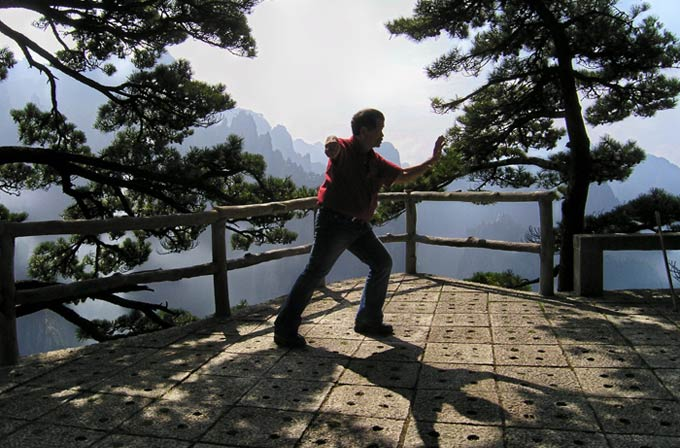 huang shan single parents Most parent-kid travel is assumed to include two parents although single-parent family travel can be challenging, a little planning means it doesn't have to be painful.