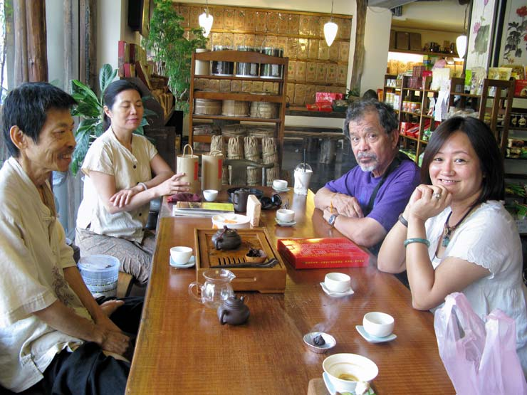 taiwan-tea-shop-group-shot