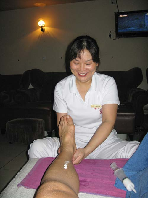 Foot massage - Rene Navarro